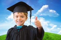 Immagine composita dell'allievo sveglio in abito di graduazione Fotografie Stock