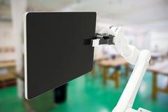 Immagine composita dell'immagine grafica della compressa digitale con il robot 3d Fotografia Stock Libera da Diritti