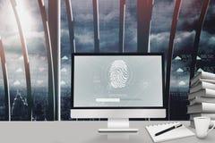 Immagine composita dell'impronta digitale sul computer Fotografie Stock Libere da Diritti
