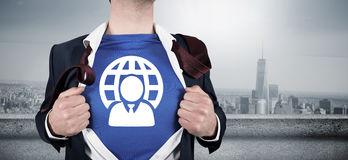 Immagine composita dell'uomo d'affari che apre il suo stile del supereroe della camicia Immagini Stock Libere da Diritti