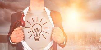 Immagine composita della camicia di apertura dell'uomo d'affari con lo scarabocchio illuminato della lampadina Fotografia Stock Libera da Diritti