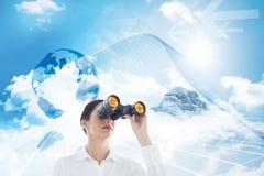 Immagine composita della donna di affari che guarda tramite il binocolo Fotografia Stock