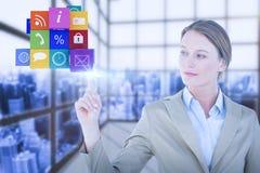 Immagine composita della donna di affari che indica cubo con il suo dito Fotografia Stock Libera da Diritti