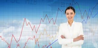 Immagine composita della donna di affari sorridente che esamina la macchina fotografica Immagini Stock
