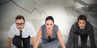 Immagine composita della gente di affari pronta ad iniziare corsa Fotografia Stock