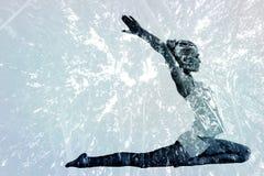 Immagine composita della giovane donna tonificata che allunga le mani indietro Fotografie Stock Libere da Diritti
