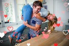 Immagine composita delle coppie che ridono e dei cuori 3d dei biglietti di S. Valentino Fotografie Stock Libere da Diritti