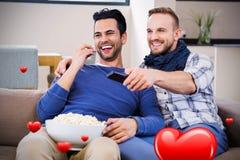 Immagine composita delle coppie degli uomini e dei cuori 3d dei biglietti di S. Valentino Fotografie Stock