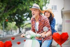 Immagine composita delle coppie sui cuori 3d dei biglietti di S. Valentino e del motorino Fotografia Stock