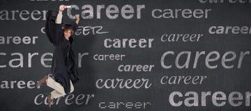 Immagine composita dello studente maschio felice nel salto laureato dell'abito Immagini Stock