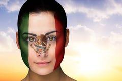 Immagine composita di bello castana nel facepaint del Messico immagine stock