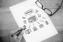 Immagine composita di scrittura della mano sinistra alla pagina bianca sullo scrittorio funzionante Immagine Stock