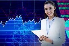 Immagine composita di scrittura sorridente della donna di affari sul blocco note Fotografia Stock Libera da Diritti