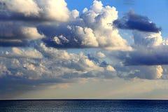 Immagine con il mare ed il cielo di opacità Fotografia Stock Libera da Diritti