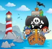 Immagine con il tema 5 della nave del pirata royalty illustrazione gratis