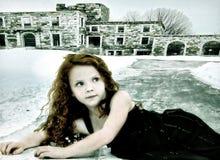 Immagine concettuale del bambino perso della ragazza di instabilità Fotografia Stock
