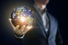 Immagine concettuale dell'uomo di affari con collegamento sociale, affare online di tecnologia di rete immagine stock libera da diritti