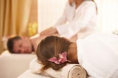 Immagine concettuale di ottenere massaggio immagine stock