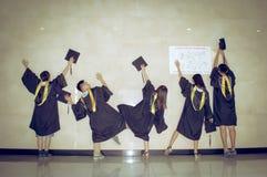 Immagine creativa 3 di graduazione del gruppo asiatico Fotografia Stock Libera da Diritti