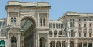 Immagine dall'esterno della galleria Vittorio Emanuelle II fotografia stock libera da diritti