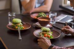 Immagine dei piatti del vegano fotografia stock libera da diritti