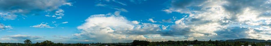 immagine del colpo di panorama della montagna fotografie stock libere da diritti