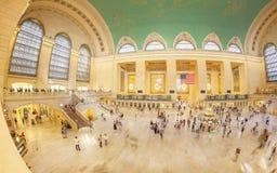 Immagine del fish-eye dei pendolari nel terminale di Grand Central Fotografia Stock