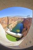 Immagine del fish-eye di Glen Canyon Dam e del ponte, Arizona, U.S.A. Fotografia Stock