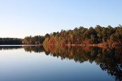 Immagine del lago autumn Fotografia Stock Libera da Diritti