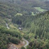 Immagine del paesaggio della vista dalla passeggiata del precipizio in overloo di Snowdonia immagini stock