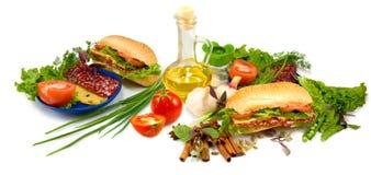 immagine del panino, della salsiccia, del pomodoro e del formaggio Immagini Stock Libere da Diritti