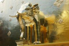 Immagine dell'elefante al tempio di Phra Singh in Chiang Mai immagine stock