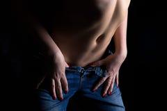 Immagine della donna sexy in jeans immagini stock libere da diritti