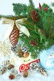 immagine della slitta con gli ornamenti di natale nella borsa Fotografia Stock Libera da Diritti
