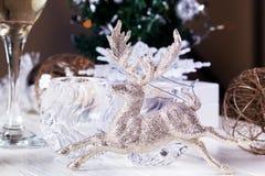 Immagine delle decorazioni della tavola del nuovo anno Spirito del fondo di Natale Fotografia Stock