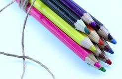 Immagine delle matite colorate Fondo, struttura, primo piano, colpo potato fotografie stock