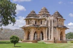Immagine delle rovine del palazzo di Lotus Mahal Centro reale Hampi, Karnatak Immagini Stock Libere da Diritti