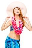 Immagine dello studio di una ragazza in abbigliamento da spiaggia su un bianco Fotografia Stock Libera da Diritti