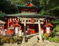 Immagine di bello e piccolo santuario di Suwa a Kobe, Giappone immagini stock libere da diritti