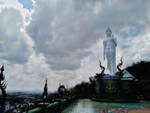 Immagine di Buddha della destra sacra nel tempio della Tailandia fotografia stock libera da diritti