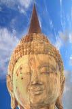 Immagine di Buddha su un fondo della nuvola come carta da parati Fotografia Stock Libera da Diritti