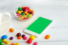 Immagine di concetto Colore in di ogni giorno con il telefono cellulare Fotografie Stock Libere da Diritti