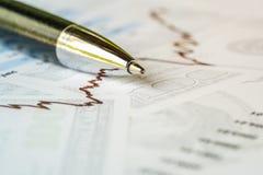 Immagine di concetto di analisi degli investimenti Immagine Stock