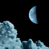Immagine di Cyanotype della luna e delle nubi Fotografie Stock