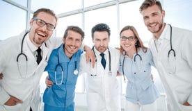 Immagine di giovane gruppo o gruppo di medici fotografia stock