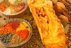 Immagine di pane con la salsiccia ed il formaggio Fotografie Stock