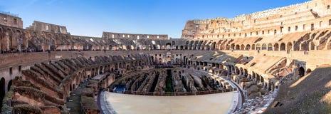 Immagine di panorama dell'arena di Colosseum immagine stock