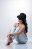 Immagine di posa castana curvy-dai capelli topless Immagini Stock Libere da Diritti