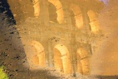 Immagine di Roma: il Colosseum maestoso Immagini Stock Libere da Diritti