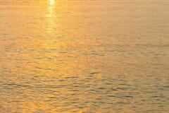 Immagine di sfondo morbida dell'acqua di mare del fuoco immagine stock